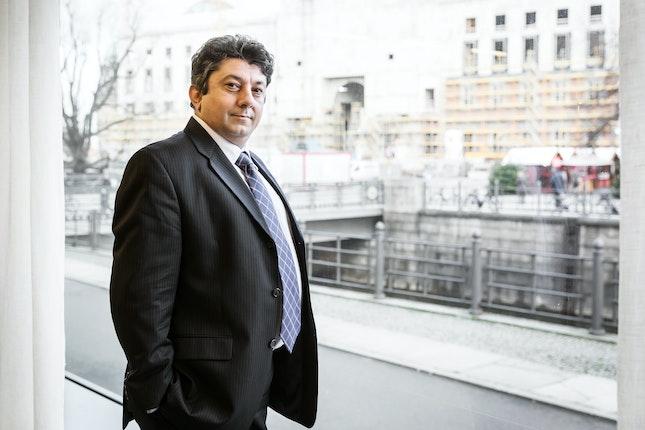 Dr. Iulius Rostas