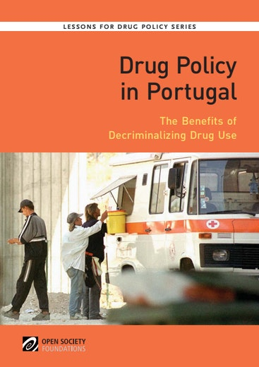 First page of PDF with filename: drug-policy-in-portugal-english-20120814.pdf